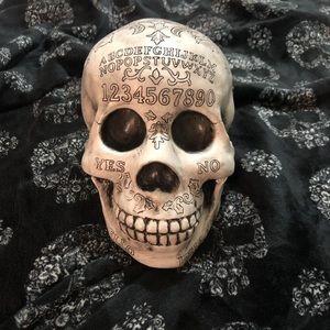 Ouija skull 💀